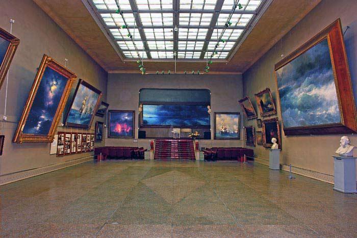Картинки по запросу Картинная галерея Айвазовского в Феодосии