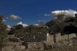 Остатки древних жилищ