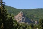 Вид на храм из поселка